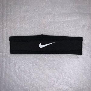 NWOT Nike Headband
